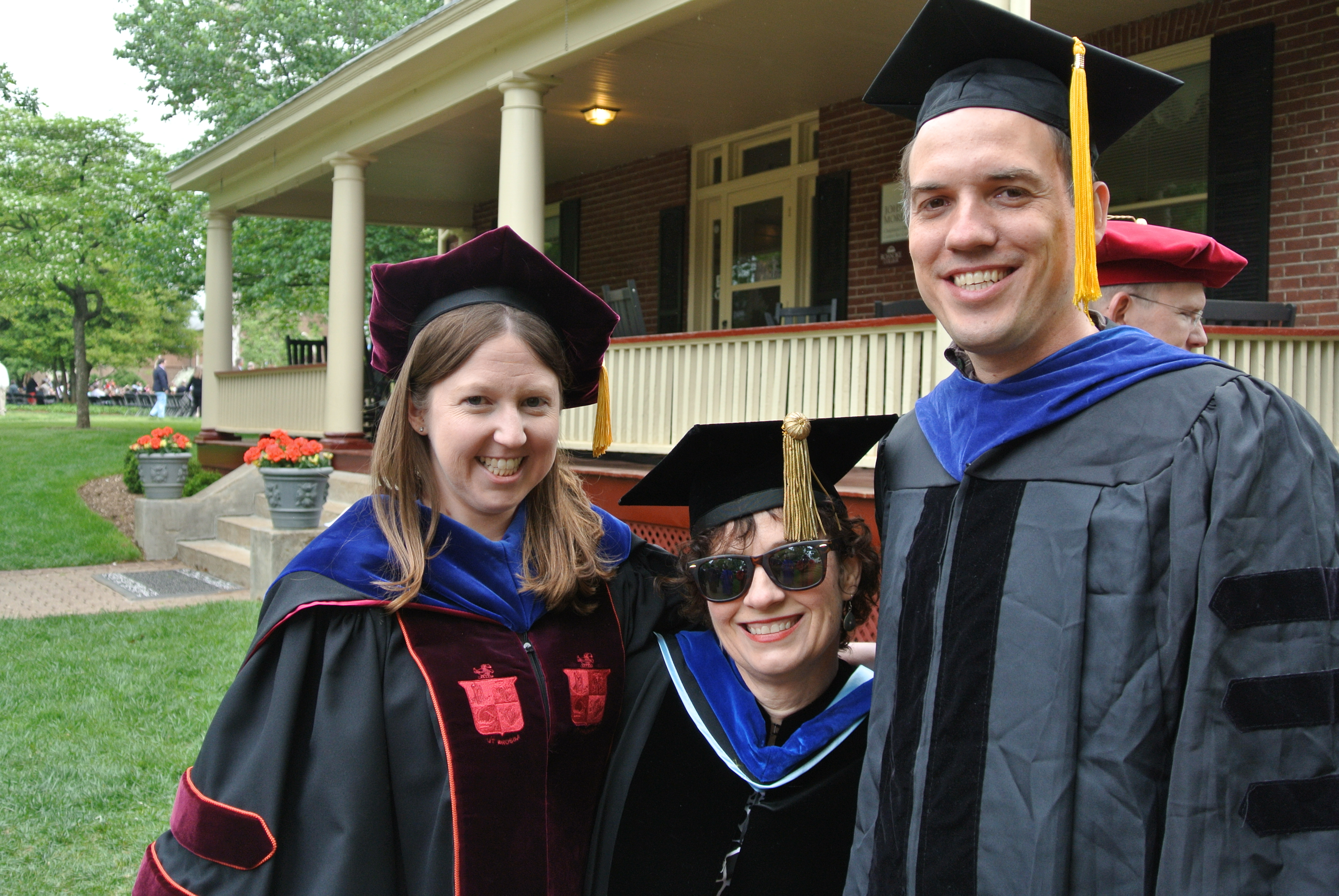 Psych Faculty Looking Spiffy atGraduation